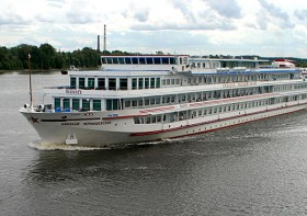 How to choose your perfect Russian River Cruise